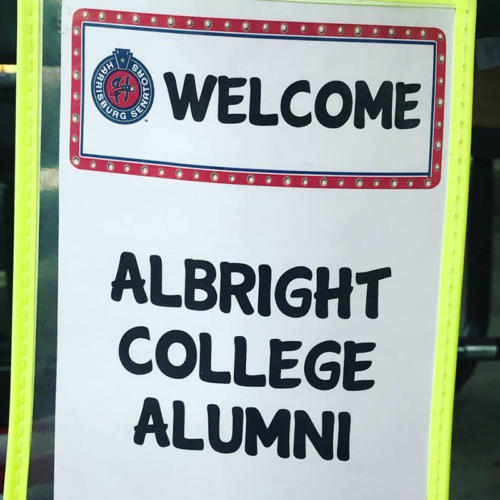 A sign that says Welcome Albright College Alumni
